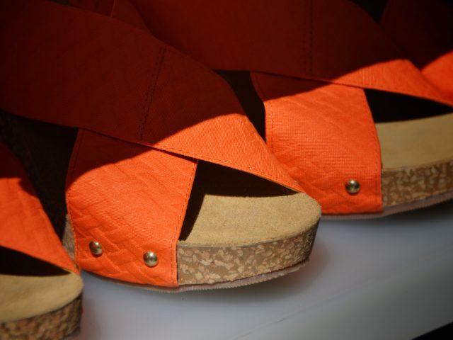 mules orange femme pieds